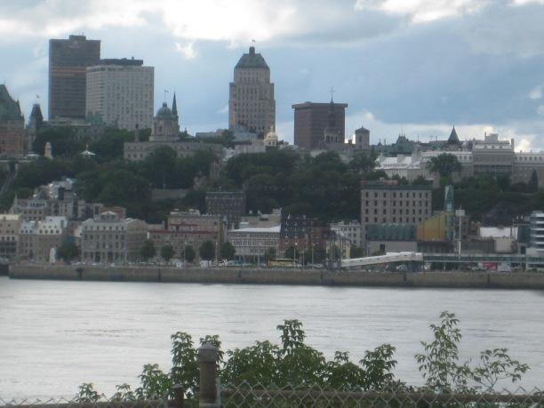 À partie de la maison Audette, vue de Québec et de l'édifice Thibaudeau