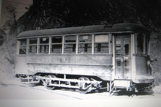 Le Tramway No 86 de la Levis County Railway que, matin et soir, Rodolphe Audette  empruntait   pour aller et revenir de Québec.