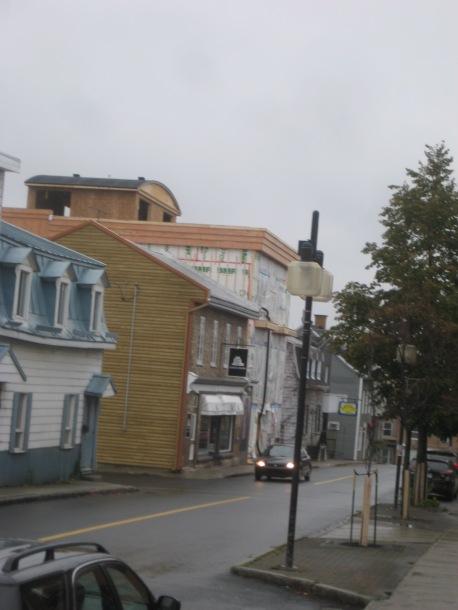 Le côté sud-ouest de l'avenue Bégin